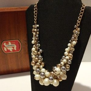 Pearl Necklace White Plastic, Gold Tone And Silver